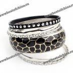 Стильный, многослойный женский браслет.