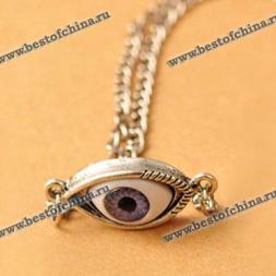 Прекрасная цепочка и необычный кулон в виде глаза.