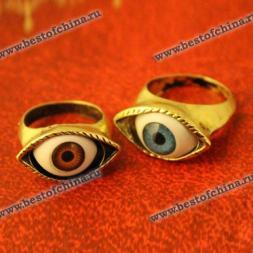Стильное кольцо в виде глаза.