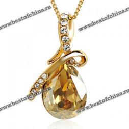 Прекрасное ожерелье украшенное великолепным кулоном в виде капли из горного хрусталя.