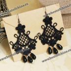Великолепные серьги из ажурной тесьмы украшенные бусинками.(Цвет - чёрный)