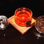 Известный Юньнаньский черный чай премиум класса Диан Хонг 250g
