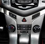 Хромированные накладки на центральную панель для Chevrolet Cruze.