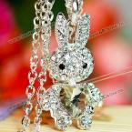 Стильная элегантная цепочка на шею с кулончиком в виде зайчика, декорированного стразами, с кристаллом в виде сердца