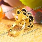 Великолепное позолоченное кольцо в виде лепестков розы.(Цвет - золотистый)