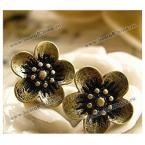 Прекрасные серьги в стиле ретро в виде цветка.
