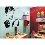 Настенная наклейка с изображением восхитительной Одри Хепберн для ванной комнаты.