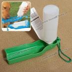 Легкий поильник с бутылочкой для собак во время поездок -Зеленый
