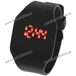 Светодиодные часы с красной подсветкой, прямоугольным циферблатом и силиконовым ремешком (черный)