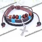 Стильный, кожаный мужской браслет украшенный бусами и крестиком.
